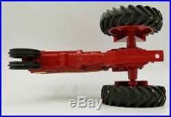 116 International Harvester 806 Square Fenders Metal Rear Wheels