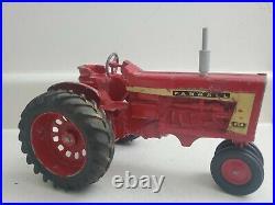 1960'S 1/16 FARMALL 806 TRACTOR original