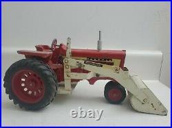1960'S 1/16 FARMALL 806 TRACTOR w loader original
