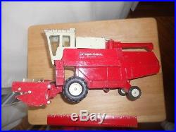 1970's 1/20 International Harvester Combine Red Ih Ertl Tractor