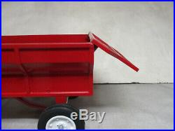 (1996) Scale Models IH McCormick Flare Box Wagon Toy, 1/8 Scale