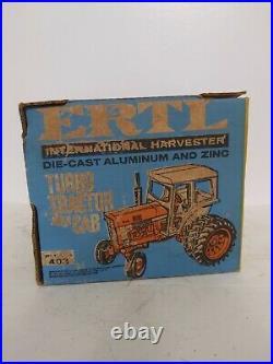 1/16 Ertl Farm Toy International 1466 Toy Tractor blue box