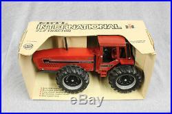 1/16 Ertl IH 6388 2+2 Tractor #464