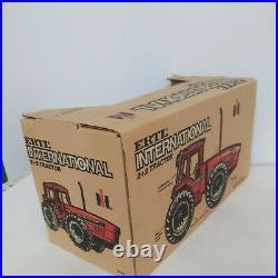 1/16 Ertl International Harvester 6388 2+2 Anteater 4WD Farm Tractor