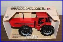 1/16 International 7488 2+2 4wd Tractor
