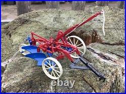 1/16 Scale Ertl 245 Precision no2 IH little Genius Plow plough tractor tracteur