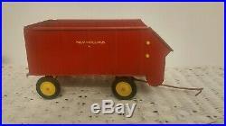 1/16 VINTAGE Ertl Farm Toy New Holland Chuck Forage Wagon #2