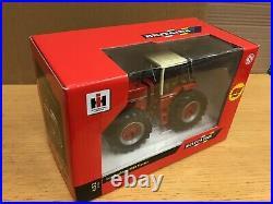 1/32 scale Britains 42651 International 3588 IH tractor tracteur traktor