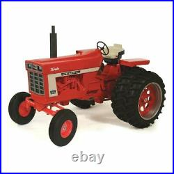1/8 International Harvester 1466 White Stripe Wide with Duals, ZSM1611