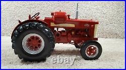 2013 Spec Cast 1/16 Scale Diecast International Harvester W450 LP-Gas Tractor WF
