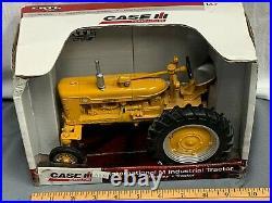 Case IH International M Industrial Tractor ERTL 116 Toy NIB Farmall Highway