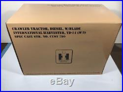 Crawler Tractor Diesel blade international Harvester TD-14 vintage diecast
