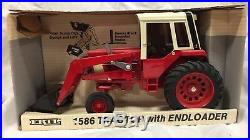 ERTL International 1586 tractor with loader 1/16 NIB