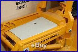 ERTL No 472 IH International Tractor/Loader/Backhoe boxed 2nd