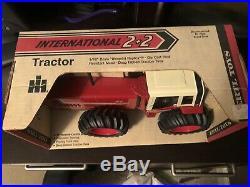 Ertl 1/16 IH INTERNATIONAL HARVESTER 3588 #2 TRACTOR NIB 2+2 4WD