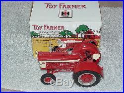 Ertl 1/16 Ih Farmall 660 Toy Farmer Ce 1999 Nfts Tractor
