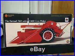 Ertl 1/16 Precision Series Farmall 560 With 2-MH Corn Picker NIB