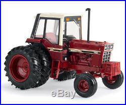 Ertl 44100 116 International Harvester 1486 Tri-Stripe Tractor