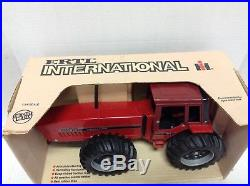 Ertl Collectible Case International Harvester 7488 Toy Tractor 1/16 Scale #467