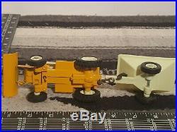 Ertl Cub Cadet 125 garden tractor 1/16 diecast lawn tractor replica collectible