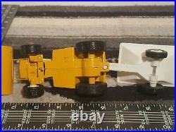 Ertl Cub Cadet 1650 hydrostatic garden tractor 1/16 diecast lawn tractor replica