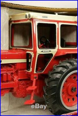 Ertl Custom 756 International Tractor & Hiniker 1300 Cab Diecast Tractor Replica