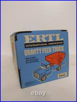 Ertl Farm Toy International IH Loadstar Feed Truck in box