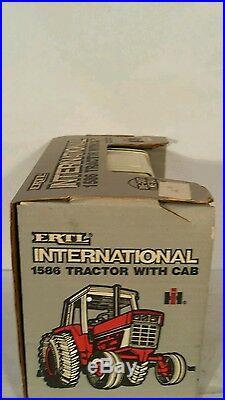 Ertl International 1586 1/16 diecast meta farm tractor replica collectible