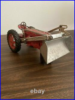 Hubley tractor with loader 1950's Kidde farm everything works vintage Toy T T5
