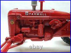 IH Farmall C Wide Front Tractor With Umbrella 1999 Iowa FFA By Ertl 1/16 Scale