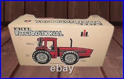 IH International Harvester 7488 2+2 Anteater 4WD Farm Tractor 1/16 MIB 1980s