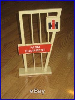 IH International Harvester Tractor Farm Equipment Dealer Countertop Stand Sign