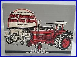 International 1026 Plow Tractor 1/16 1997 Summer Farm Toy Show NIB