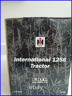 International 1256 1/16 Ertl W Cab