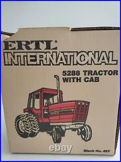 International 5288 1/16 Cab W Duals