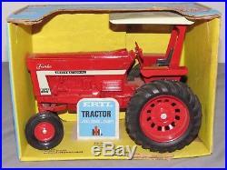 International Harvester 1066 Turbo Tractor ERTL 1/16 Blue Box FARMALL IH OLD