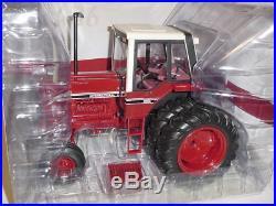 International Harvester 1486 Tri-Stipe Prestige 1/16 Die-Cast Metal Replica Toy
