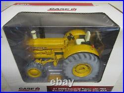 International Harvester 21256 MFWD Toy Tractor, 1/16 Scale, NIB