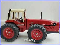 International Harvester 3588 2+2 116 Scale Ertl Tractor