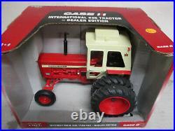 International Harvester 856 Toy Tractor 2007 Dealer Edition 1/16 Scale, NIB