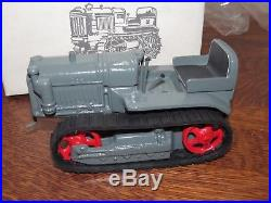 International Harvester IH T-20 Crawler TracTractor Tractor 1/16 TOY by Pioneer