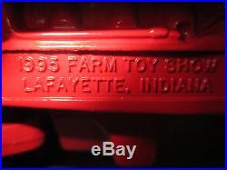 International Harvester Model 1468 V-8 Toy Tractor 95 LFTS 1/16 Scale, NIB