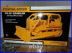 International Harvester TD-25 Crawler/Dozer 125 Diecast Rep By First Gear New