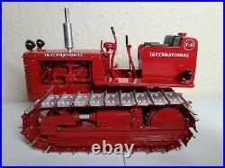 International IH Farmall T-6 Crawler Tractor Gilson Riecke 116 Scale Model