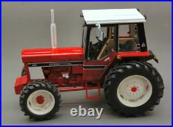 Model tractor Crew Agricultural Replicagri International Harvester 955 13 2