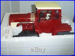 NEW! 1/16 IH International Harvester 4166 4wd tractor with cab, Spec Cast, 1/500