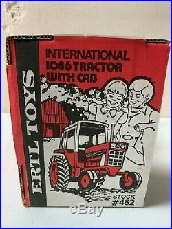 Nib Ertl International Vintage 1086 Tractor 1/16 Ih With Cab