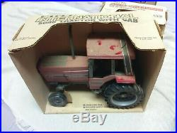 RARE Vintage ERTL International 5088 Cab Tractor 1/16 Scale #468 NIB