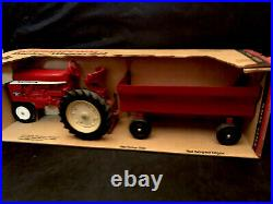Rare VINTAGE ERTL IH International Harvester Tractor & Flare Box Wagon In Box
