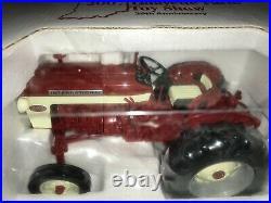 SPECCAST 1/16 IH FARMALL 340 DIESEL SE TRACTOR 2007 LFTS New